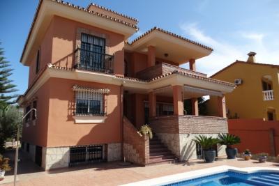 Villa en venta en Alhaurín de la Torre